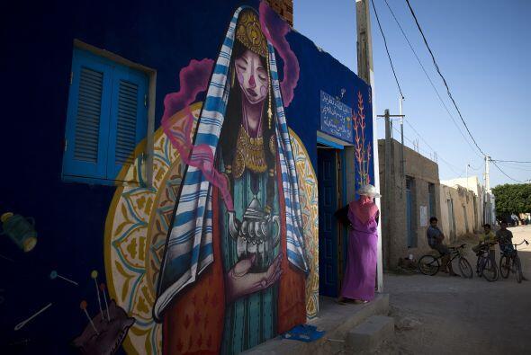 Esta vez fue el turno de Túnez que alberga en sus calles lienzos...