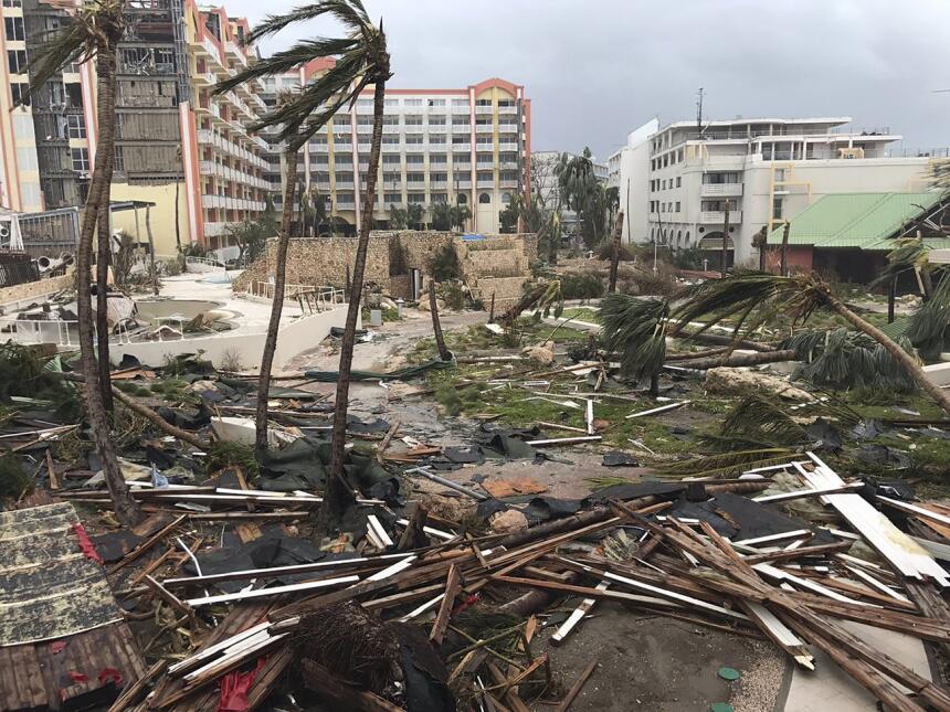 En esta imagen del 6 de septiembre de 2017, daños provocados por el hura...