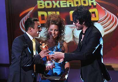 Juan Manuel Márquez se llevó dos trofeos, el primero fue el de mejor box...