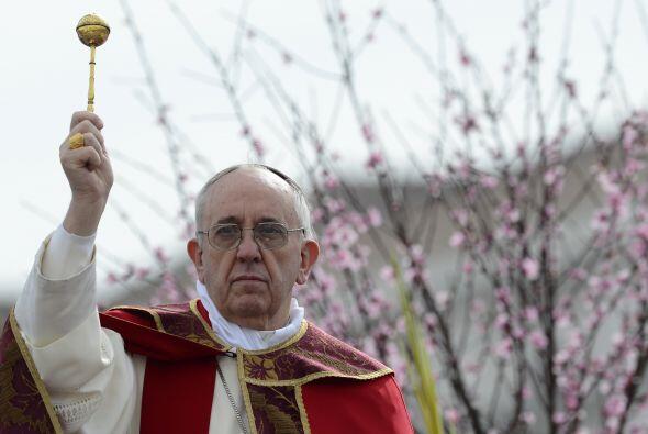 """2013- 16 de junio  """"El dinero debe servir y no gobernar"""", manifestó con..."""