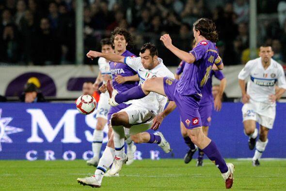 El Inter y la Fiorentina igualaron fuerzas, por lo que el liderato del p...
