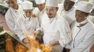 El Instituto Culinario de Miami firmo un acuerdo para que estudiantes ac...
