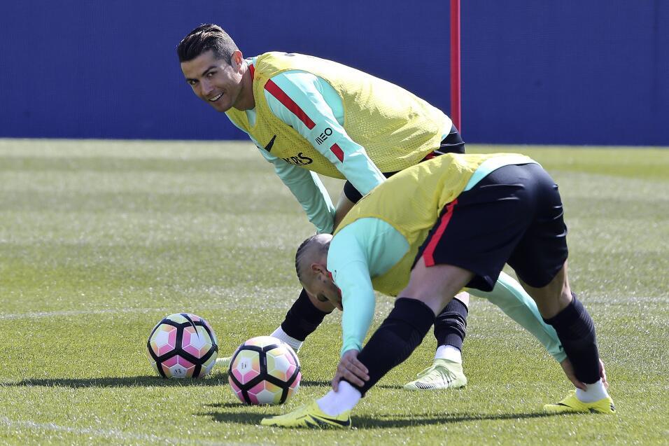 Atlético hunde al Málaga y presiona al Sevilla 636256998963103439.jpg