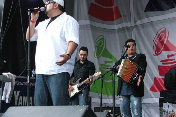 El siguiente grupo invitado al escenario fue Tejano Soul.