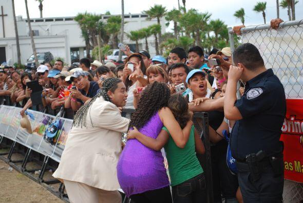 Y todos querían obtener una foto con La Sonora 100% de Anaidita.
