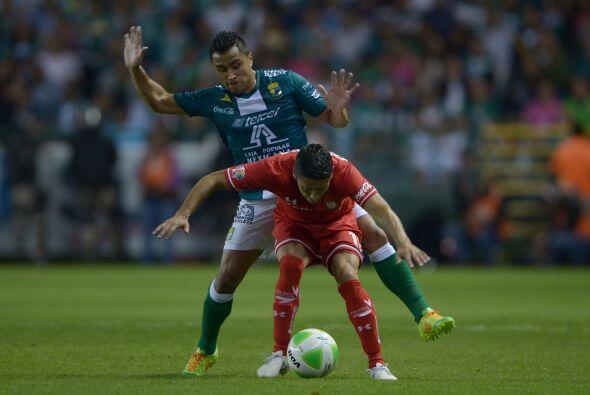 Edwin Hernández.- Dio el pase para el gol de Montes en el primer partido...
