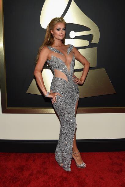 El vestido de Paris Hilton hubiera sido perfecto, de no ser por la tela...