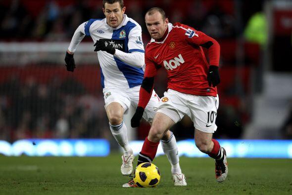Rooney volvió a ser el eje del 'Man-U', buen partido del jugador inglés.