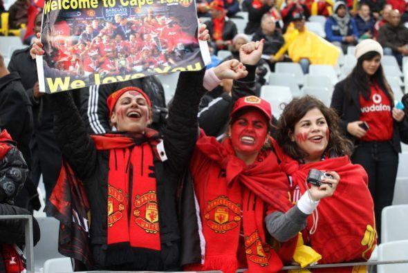 Mucha gente se hizo presente en el estadio.