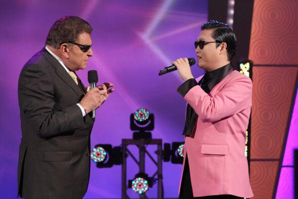 Sus conciertos en corea son masivos. PSY mostró las imágenes de un conci...
