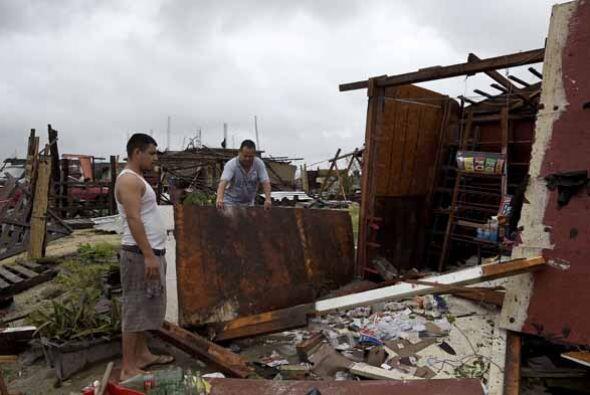 Las estampas de destrucción hablan por si mismas, no solo en el poblado,...