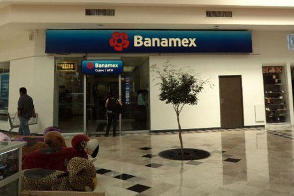 8.- El Banco Nacional de México tiene un valor de de 1,682 millon...
