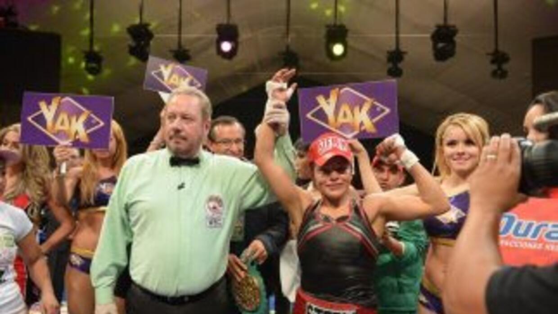 Ibeth 'Roca' Zamora ganó a Yéssica 'Kika' Chávez y defiende título minim...