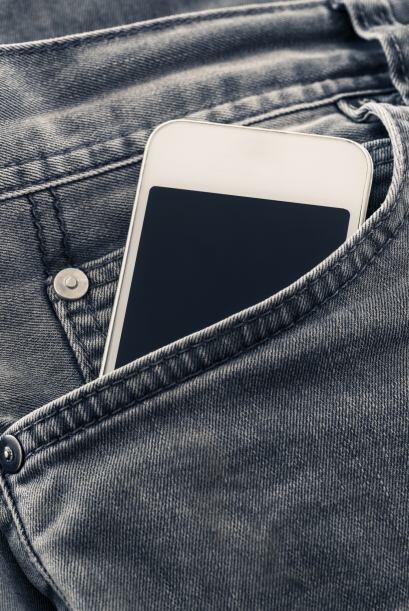 Es aún más delgado. Los iPhone suelen ser finitos, pero este nuevo model...