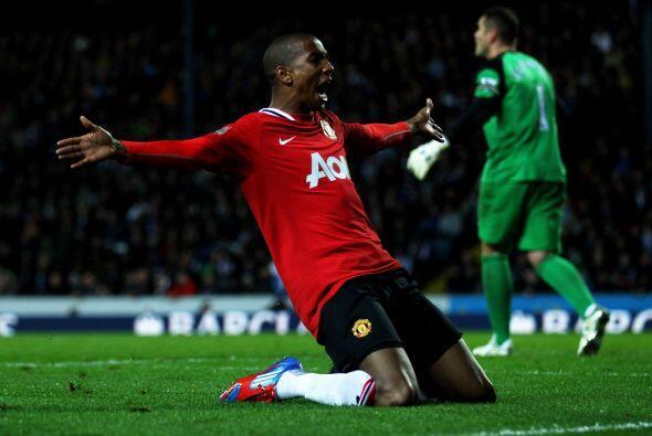 El habilidoso extremo-atacante del United realizó una media vuelta perfe...