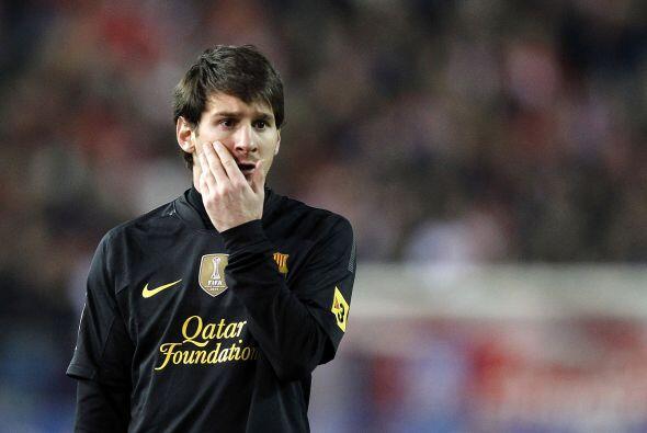 En su natal Argentina los calificativos encumbran a Lionel como un dios...