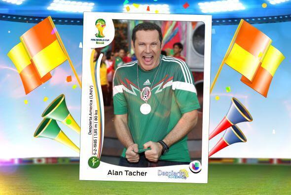 Sí, el capitán es nada más ni nada menos que nuestro Alan Tacher.