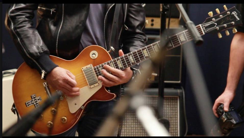 Esta es una de las cuatro guitarras Gibson robadas a Molotov.