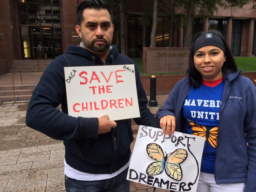 Activistas y jóvenes con DACA piden apoyo para el Dream Act img-0482.JPG