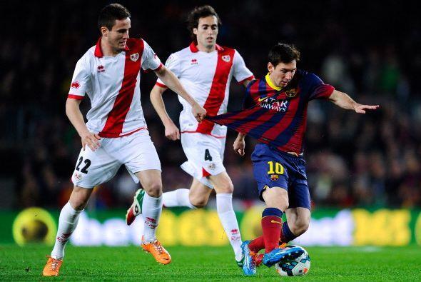 La defensa del Rayo no pudo para a Messi de ninguna forma.