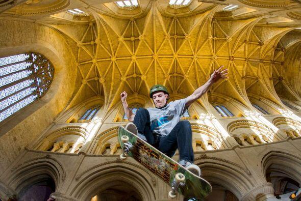La iglesia de Malmesbury Abbey asegura que la creación de este evento es...
