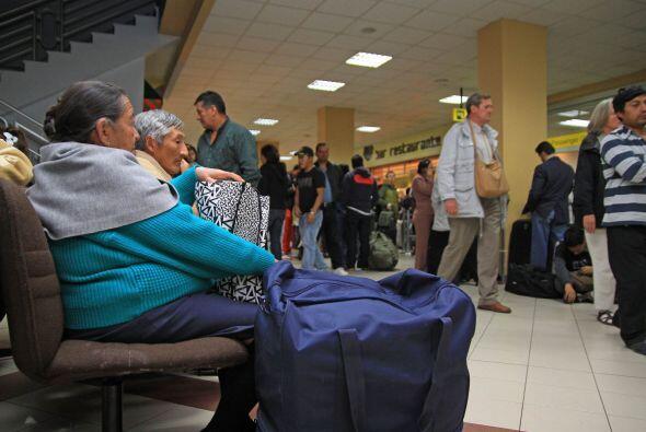 El aeropuerto de Quito ha quedado reabierto tras permanecer cerrado vari...