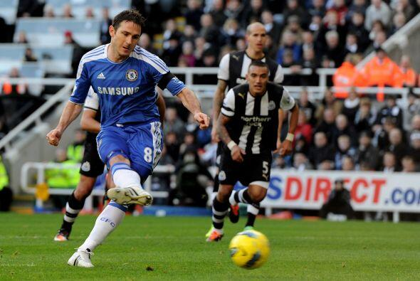 Frank Lampard erró un penalty que pudo haber sido la apertura del marcador.