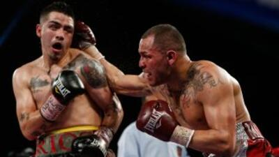 Mike Alvarado contra Brandon Ríos III.