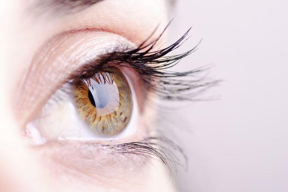Mirar directo al sol puede dañar tus ojos: verdad. Además de distorsiona...