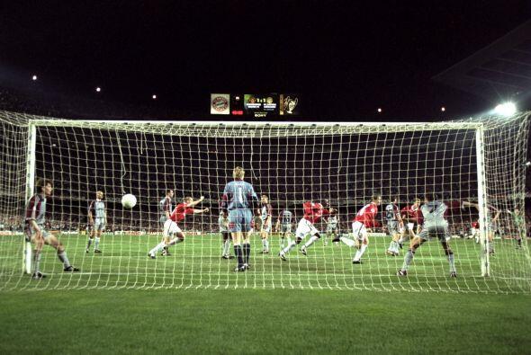 Manchester United perdía 1-0 ante el Bayern Munich y al primer mi...