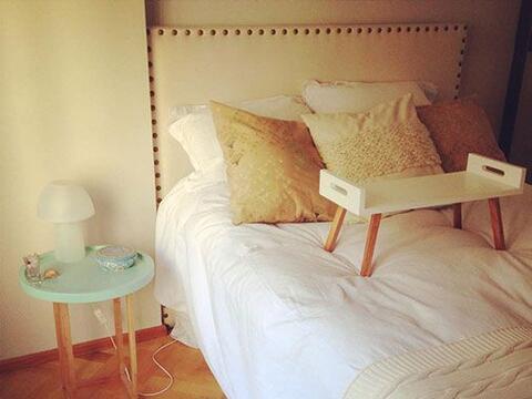 Textiles rústicos. Si tenemos muebles muy modernos, lo ideal es c...
