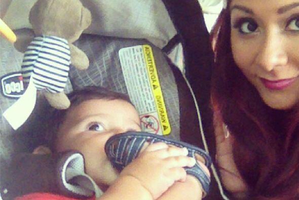 ¡Cute! La diva no se cansa de presumir cuánto ha crecido su adorable beb...