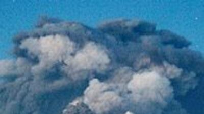 Nube volcánica se extiende y agrava el caos aéreo en casi toda Europa 1e...