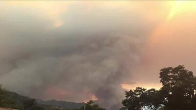 El humo de los incendios en California comienza a afectar el turismo en el Parque Yosemite