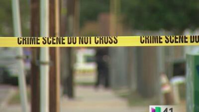 Una pareja es acusada de haber asesinado a un hombre golpeándolo con bat...