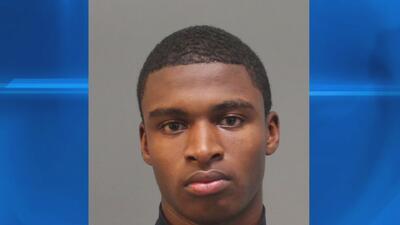 Arrestan a un adolescente sospechoso de un tiroteo en el que murió una mujer
