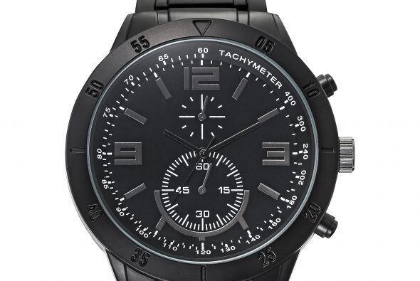 Un regalito extra para papá puede ser este bonito reloj Mossimo en color...