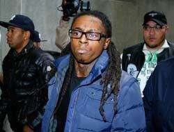 Según el sitio web Gossip Extra, en el 2012 Lil Wayne gastaba diez mil d...