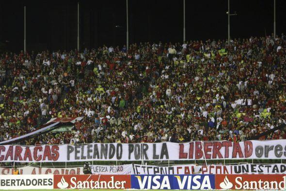 Llamativo cartel que expuso en uno de los partidos la hinchada del Carac...