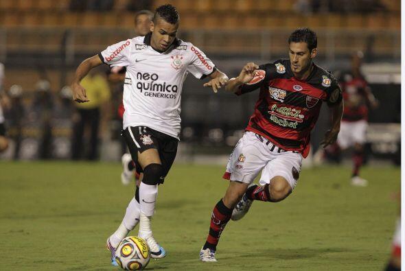 Al tiempo que Corinthians festejó, el Santos, que jugó sin Neymar, tambi...
