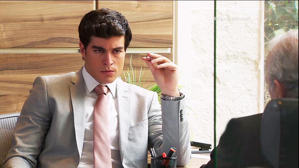 Danilo Carrera es Danilo Cabrera en 'La doble vida de Estela Carrillo' D...