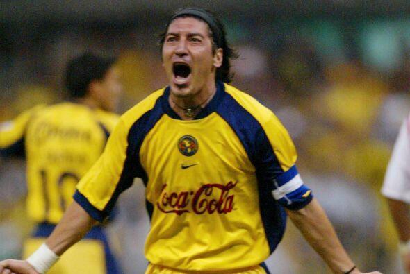 Zamorano llegó al fútbol mexicano con el América tras brillar con el Rea...