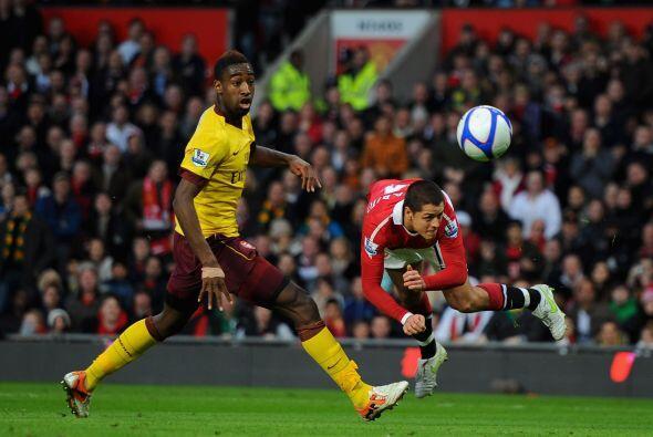 Javier 'Chicharito' Hernández salió de titular y tuvo varias chances de...