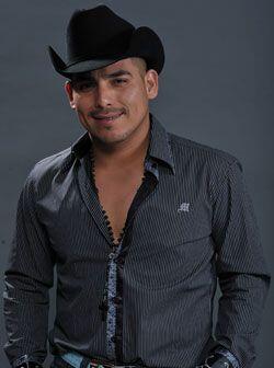 Fue hasta 2008 cuando pudo grabar su primer disco 'El Canta Autor del Pu...