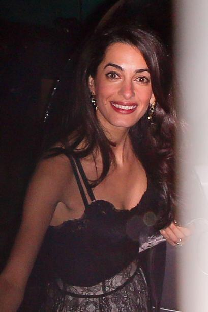 Amal además de bella siempre luce su mejor sonrisa ante las cámaras.