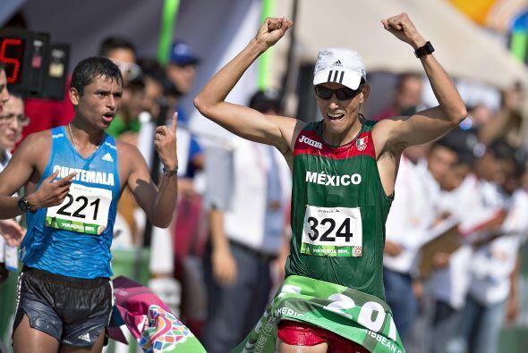 En los 20 kilómetros de la marcha varonil, el mexicano Horacio Nava regi...