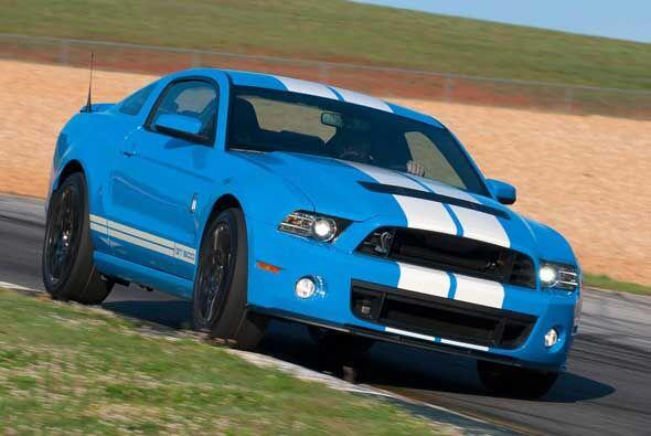 El Shelby GT500 es el Mustang más potente jamás creado, es más, equipa e...