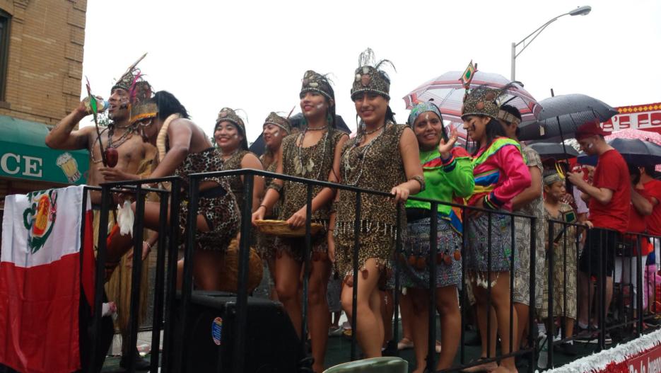La riqueza de la cultura peruana quedó representada en distintas carrozas.