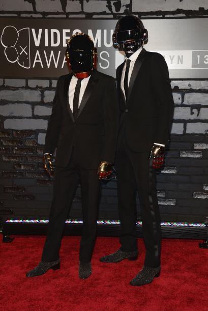 Qué lástima para Daft Punk que no pudo actuar durante el 'show' y eso qu...