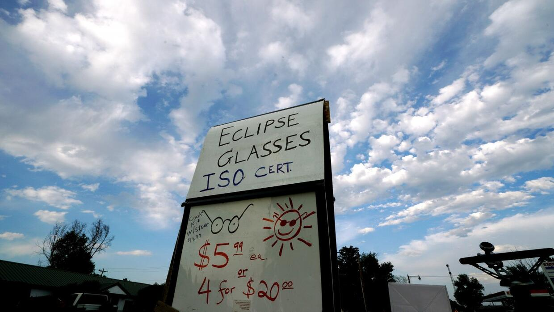 A unas horas del eclipse solar este es el pronóstico para que no te lo p...